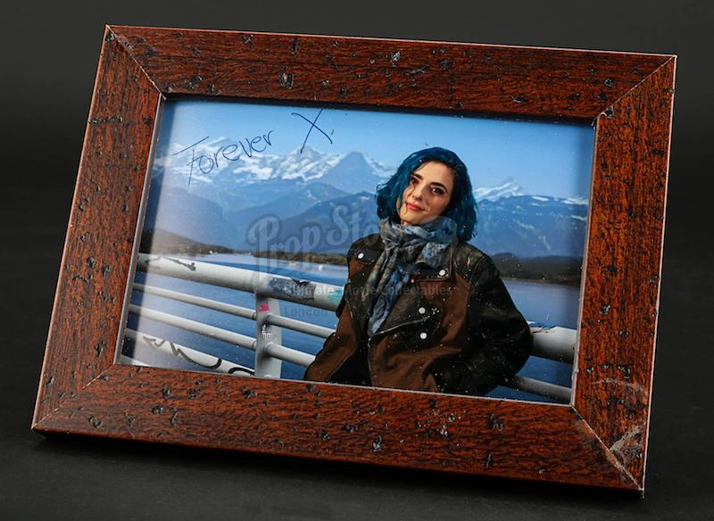 MUTE Prop Store Auction - Leo's (Alexander Skarsgard) Photo of Naadirah
